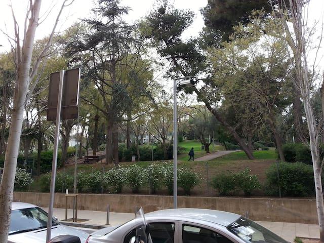 Habitación doble muy luminosa (mayo-junio) - Barcelona - Pis