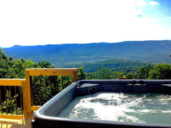 Cute&Cozy w/Hot Tub &Amazing Views*Mountain Music*