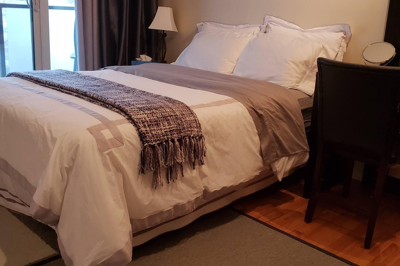 Guest's bedroom, winter duvet