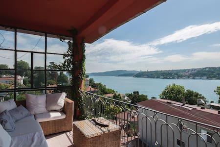 Amazing view renovated Dublex flat - Sarıyer - Apartment
