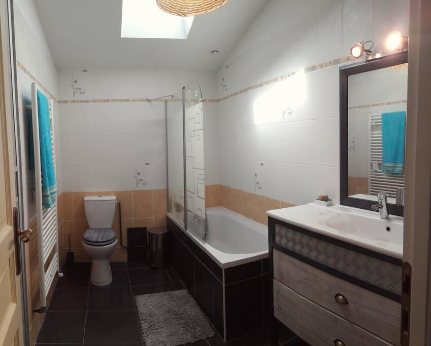 Salle de bain à votre disposition