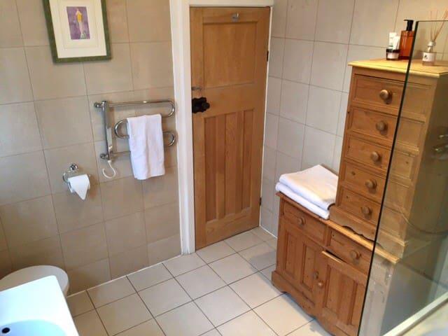 Other angle of main upstairs bathroom.