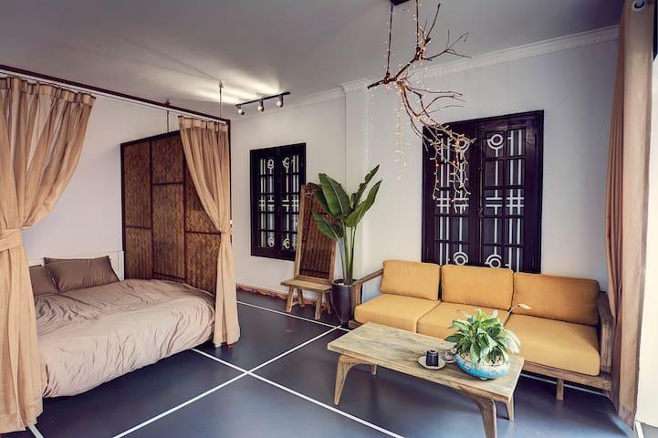 20%Off Balcony Room,in Food street, Hoan Kiem Lake