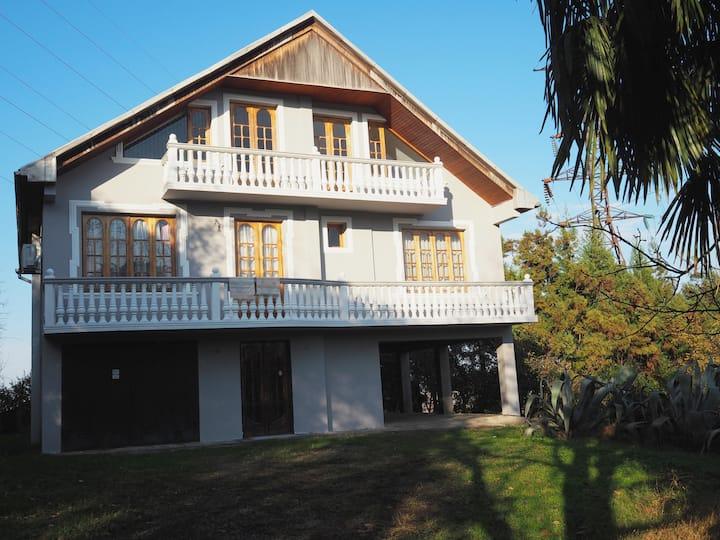 Secluded Villa            Вилла
