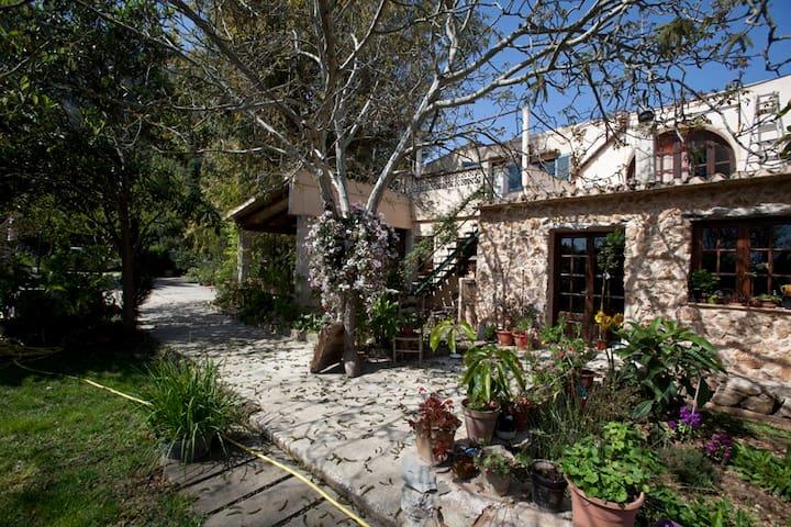 Semi-Detached House with a beautiful Garden - Illes Balears - Rumah