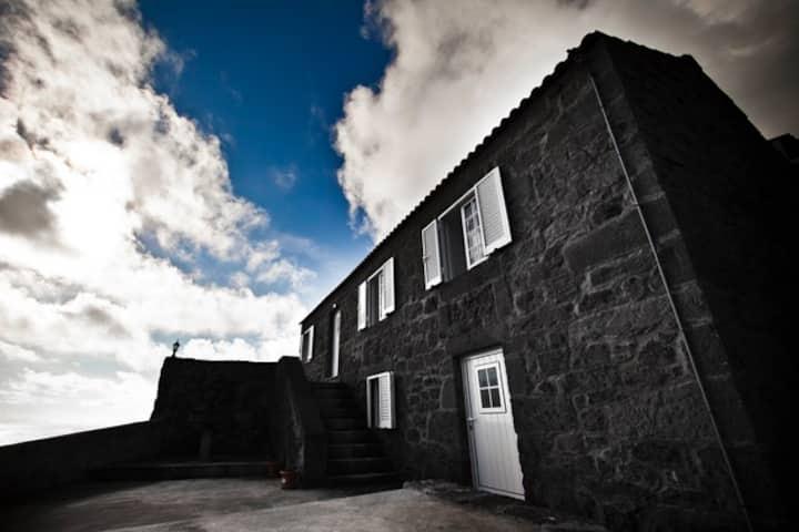Casas do vinagreiro- Pico, Ribeiras