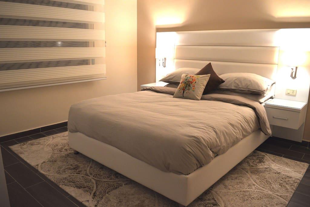 Master Bedroom - Night View