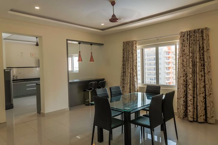 Cloud9Homes * 3 BHK Service Apartment * Mindspace