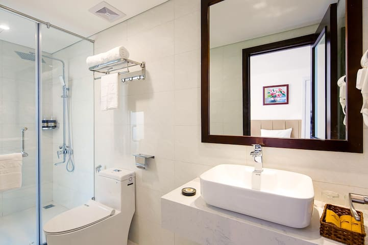 ❤️TWIN/DOUBLE ROOM w BB❤️GOLDEN LINE HOTEL DA NANG