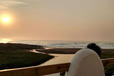 BEAUTIFUL BEACHFRONT MEDITERRANEAN VILLA - Palma Sola