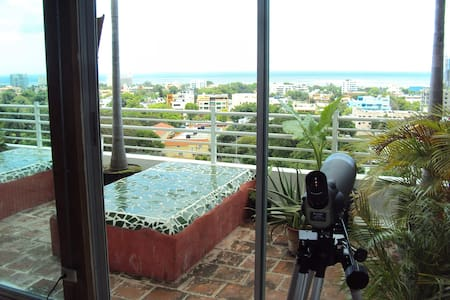 Ocean view Beach House down town huge terrace - Santo Domingo - Selveierleilighet
