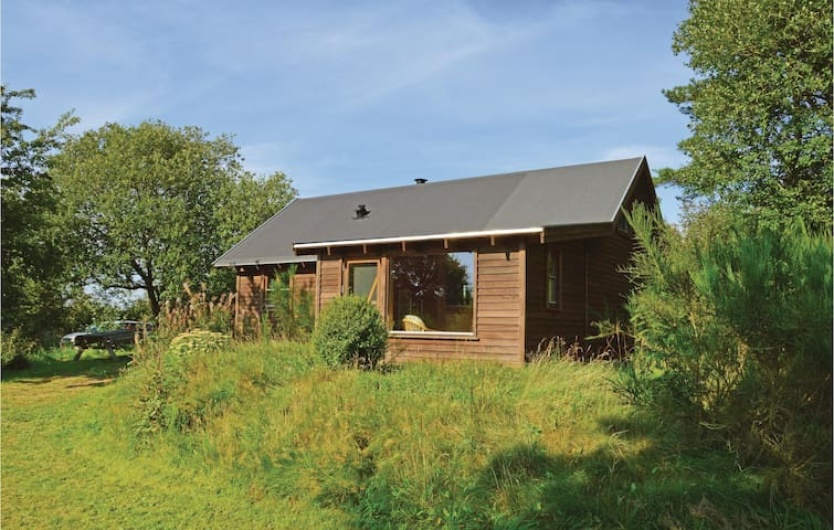 Holiday cottage with 2 bedrooms on 65 m² in Kibæk