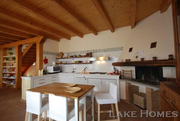 Casale al lago Maggiore - Fosseno - House