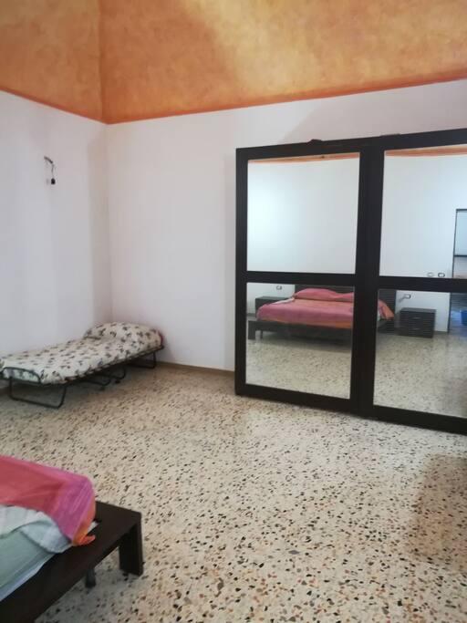 Fittasi appartamento per brevi periodi,  a 50 m dal parco termale fonte delle ninfe nitrodi. Abitazione di circa 75 m con max 6 posti letto