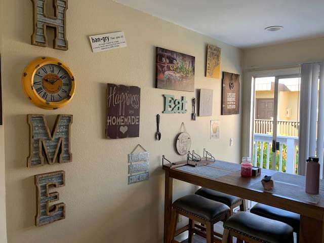 Studio half a mile from the beach!