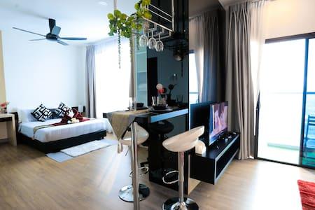 MLH Premier Studio Suite @ Landmark Residence
