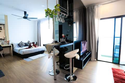 MLH Designer Studio Suite 07 @ Landmark Residence