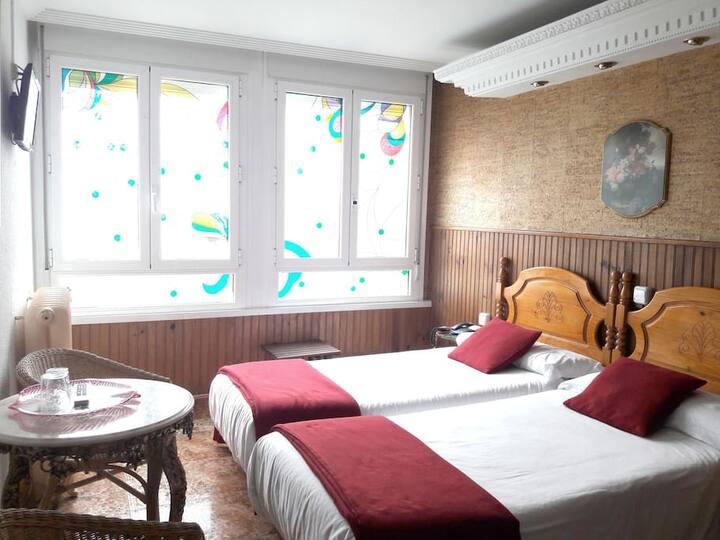 Hotel Dato - Habitación twin con Vistas en Vitoria