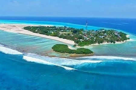 Thulusdhoo Island near Airport - Thulusdhoo