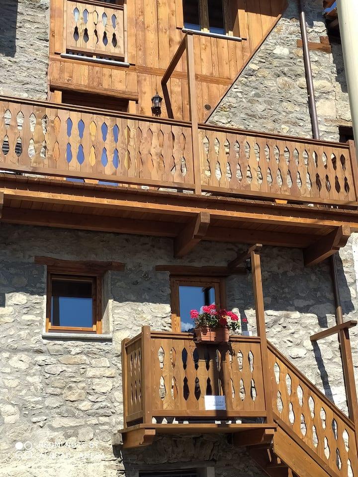 Appartamento soleggiato a Torgnon (Fraz. Berzin)