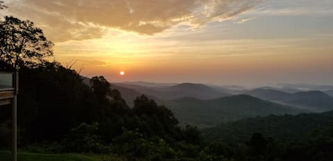 Mountain Sunrise Retreat
