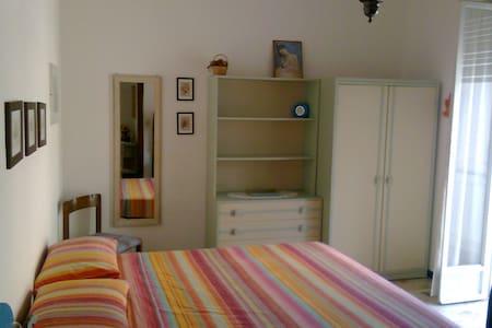 Appartamento Vista Mare Spotorno - Spotorno - Apartamento