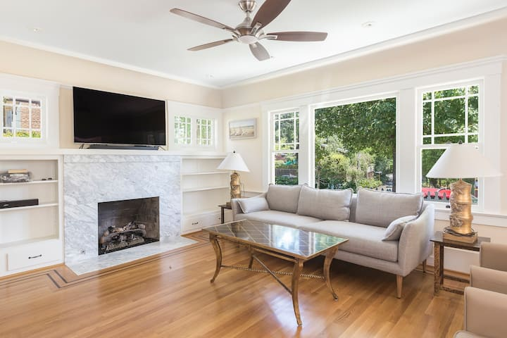 Centrally located Craftsman home