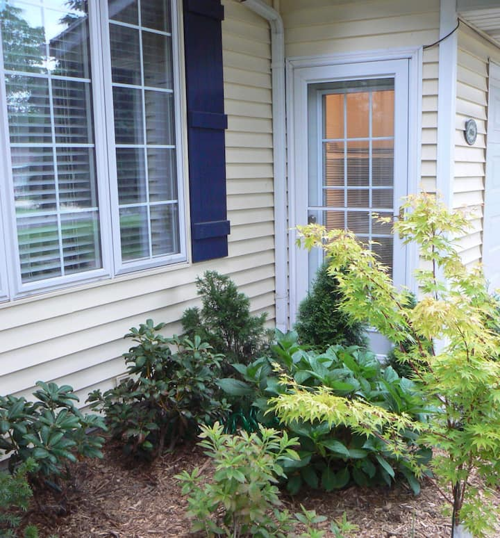 New studio/loft close to beaches and wineries