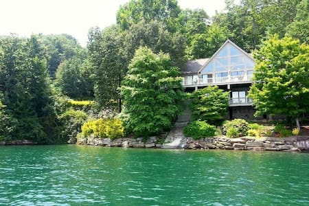 Private home on Lake Jocassee South Carolina