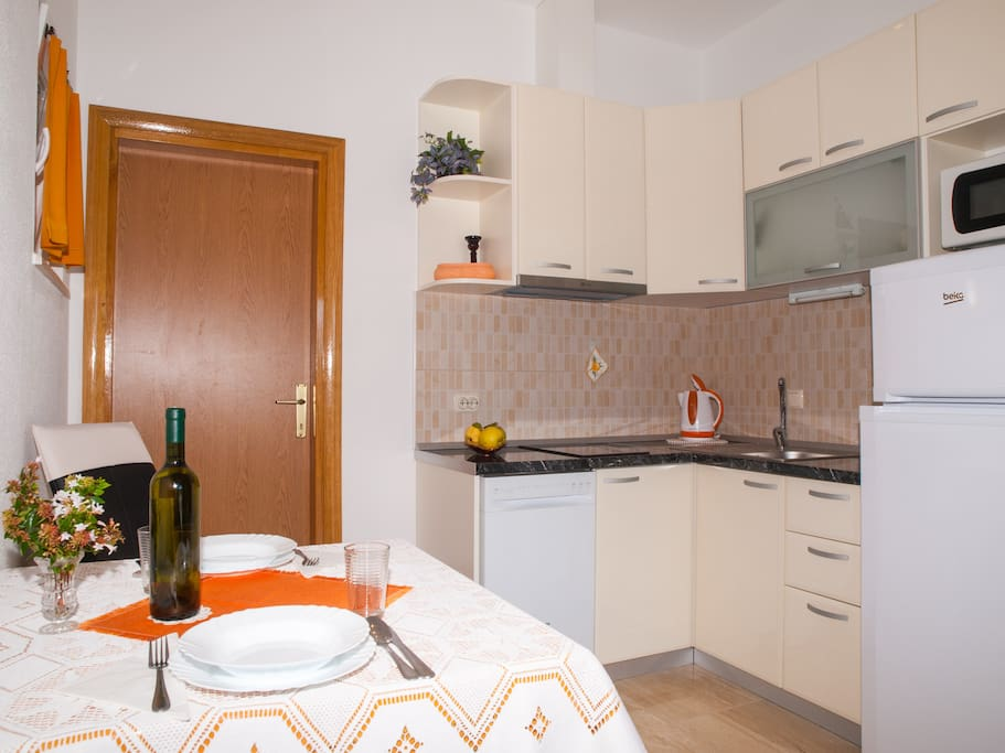 Apartmen A3, kitchen and dinning room