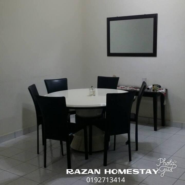 """""""RAZAN HOMESTAY"""""""