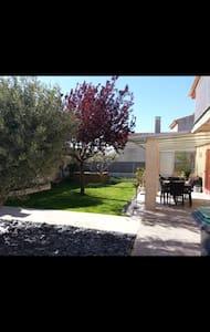 Maison T3 petit jardin - La Penne-sur-Huveaune - Talo