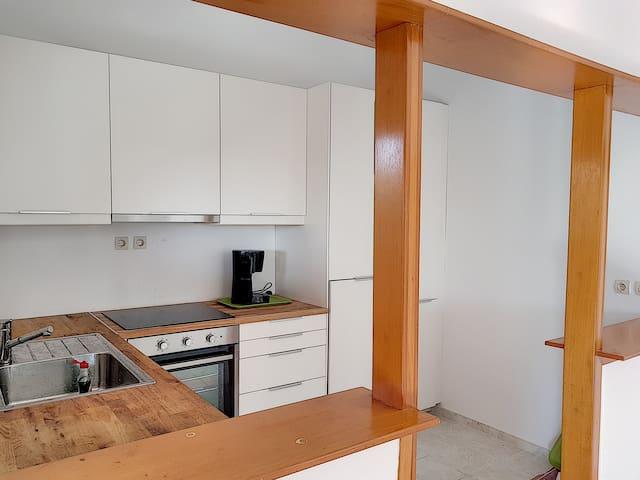 Kitchen includes dishwasher, oven, freezer and fridge