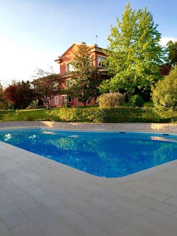 Zona piscicina para Barbacoas - Algete - Outros