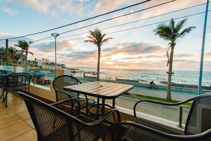Habitación)2)frente al mar hotel boutique claussen