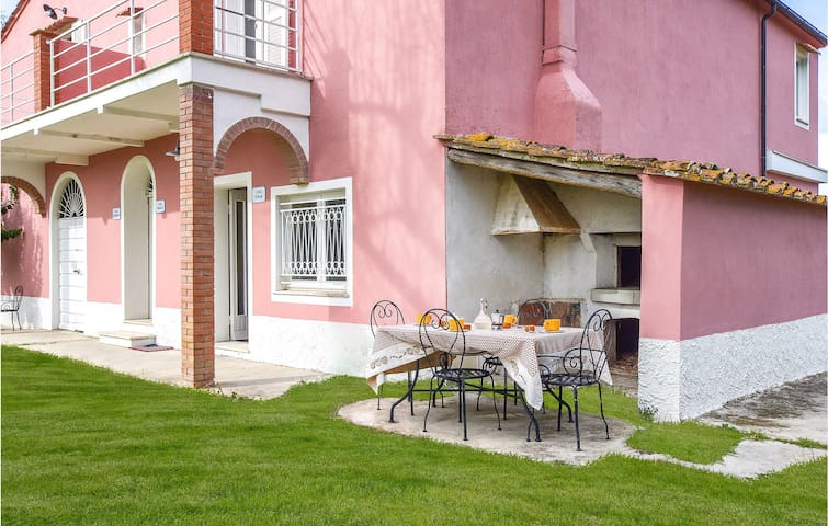 Holiday apartment with 1 bedroom on 50m² in Castagneto Carducci