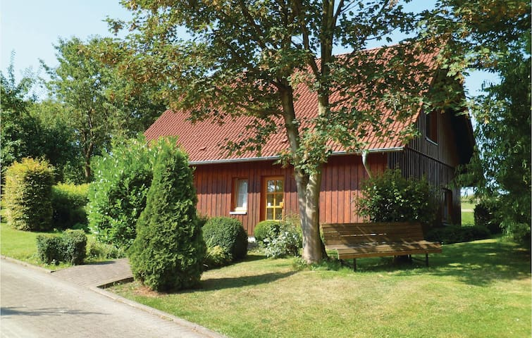 Holiday cottage with 2 bedrooms on 60 m² in Brakel OT Bellersen