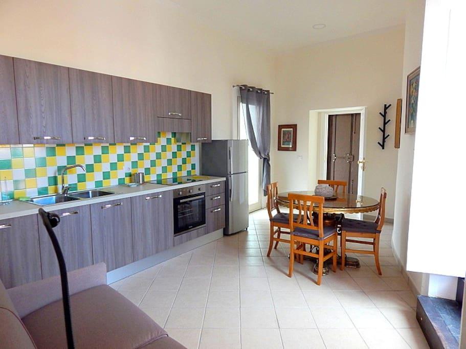 Soggiorno con cucina-Kitchen Living room