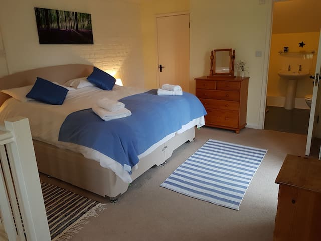 Super King sized bed and ensuite