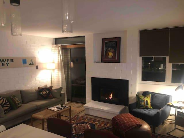 Just renovated, private 1 BR condo, prime location