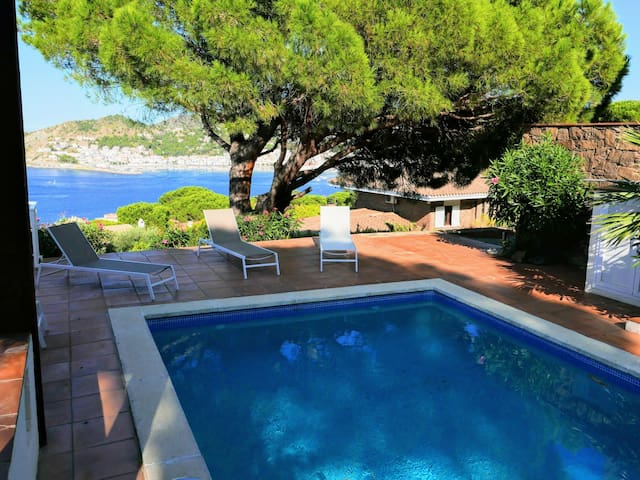071 House to rent with sea views and private pool