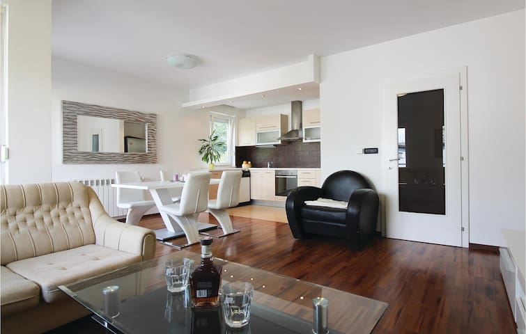 87 m² holiday apartment in Zagreb