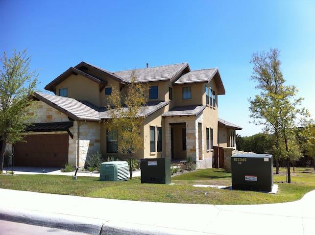 Italian Hill Country Home - 5 min from La Cantera - San Antonio - Haus