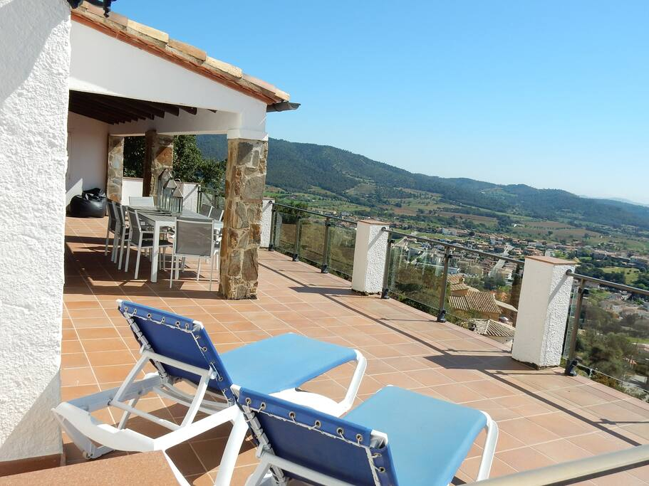 Spacious semi covered terrace