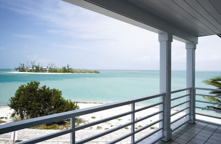 Gorgeous two-bedroom condo - Captiva