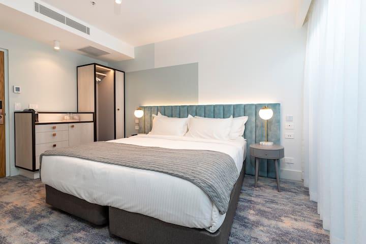 The Albert Mosman - Standard King or Twin Bed Room