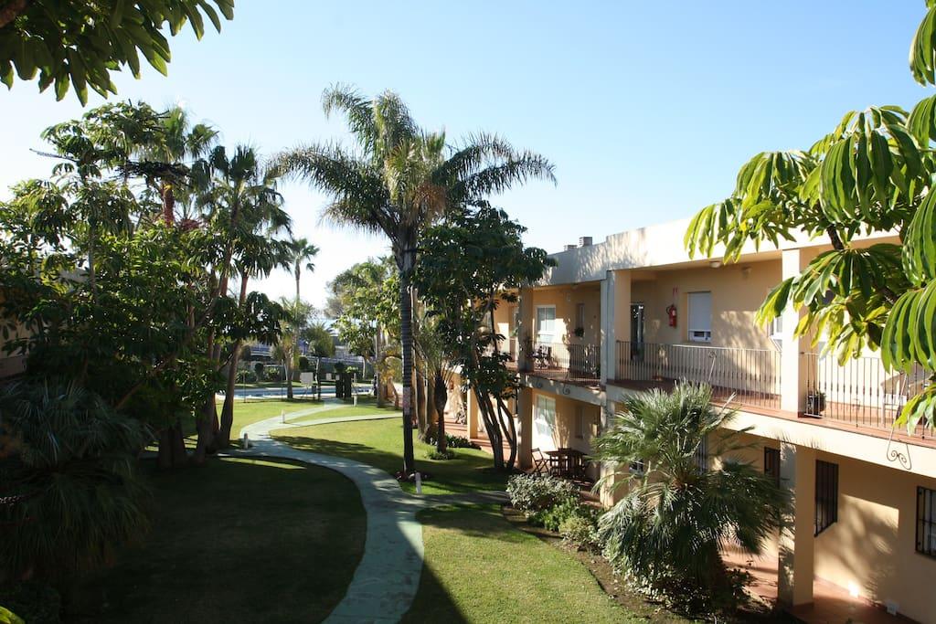 accès appartement et piscine