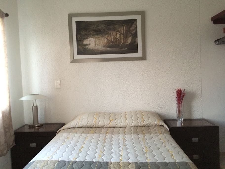 Dos de las habitaciones cuentan con cama matrimonial