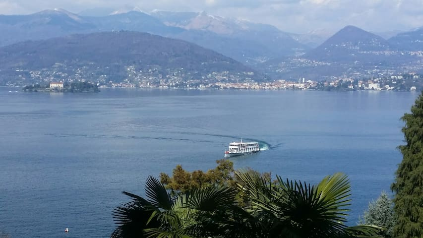 Tranquil setting with Lake view - Stresa - Apartemen