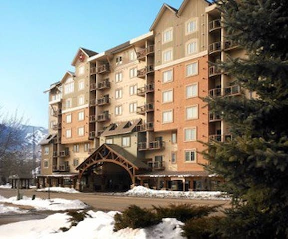 1 Bd Christmas Ski Week At Sheraton Mountain Vista - Avon - Villa